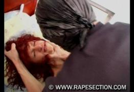 คลิปxxxporn โจรโรคจิตรถุงดำคลุมหัวบุกเข้าห้องนอน สาวโสดกำลังหลับโดนจับกดแล้วข่มขืนเย็ดหีจนร้องไห้