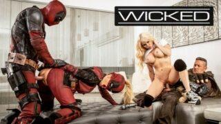 หนังโป้ล้อเรียนหนังดัง  Deadpool สลับคู่เอากันกับเหล่าฮีโร่สุดกวน ตะแคงเย็ดนางเอกสุดสวยที่โซฟา