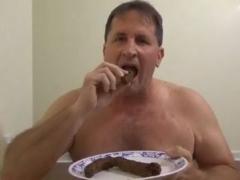 ใจไม่ถึงห้ามดู หนุ่มใหญ่วิตถารกินขี้ตัวกินเยี้ยวตัวเอง แนวแปลกซาดิส ความชอบส่วนตัว