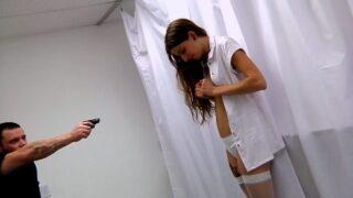 ข่มขืนพยายาลในห้องตรวจ เจอคนไข้โรคจิตรทำร้ายร่างกาย บังคับข่มขู่ เธอเลยต้องโดนเย็ดไปร้องไห้ไป
